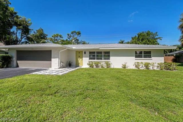 111 Coral Vine Dr, Naples, FL 34110 (MLS #218057111) :: The Naples Beach And Homes Team/MVP Realty