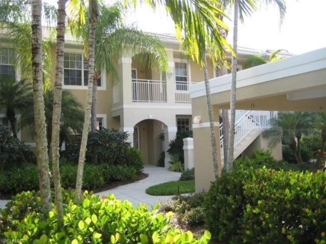 2305 Carrington Ct 2-103, Naples, FL 34109 (#218057791) :: Equity Realty