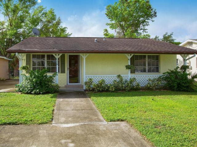 1324 Highlands Dr, Naples, FL 34103 (MLS #218062180) :: The New Home Spot, Inc.