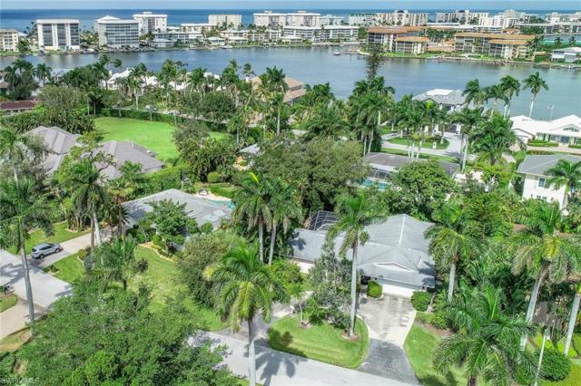 425 Putter Point Dr, Naples, FL 34103 (MLS #218066015) :: The New Home Spot, Inc.