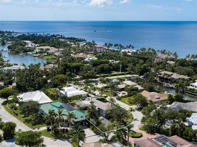 14 Sabre Ln, Naples, FL 34102 (#218066549) :: Equity Realty