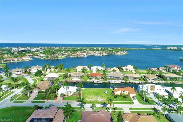 712 Plantation Ct, Marco Island, FL 34145 (MLS #218067827) :: The New Home Spot, Inc.