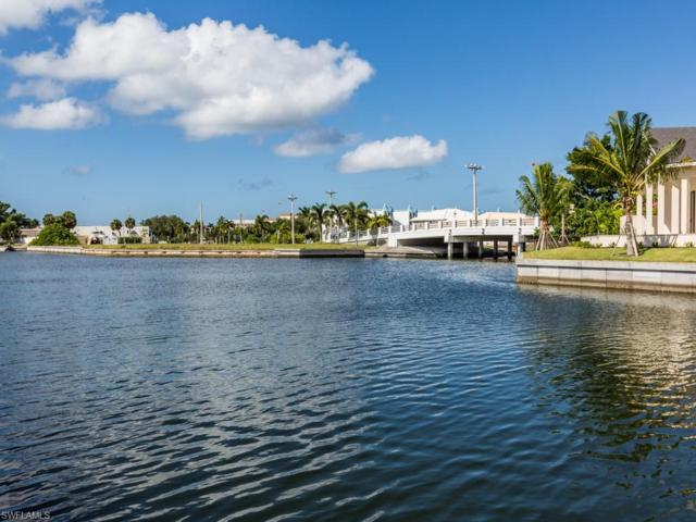 927 Juniper Ct, Marco Island, FL 34145 (MLS #218068050) :: The New Home Spot, Inc.