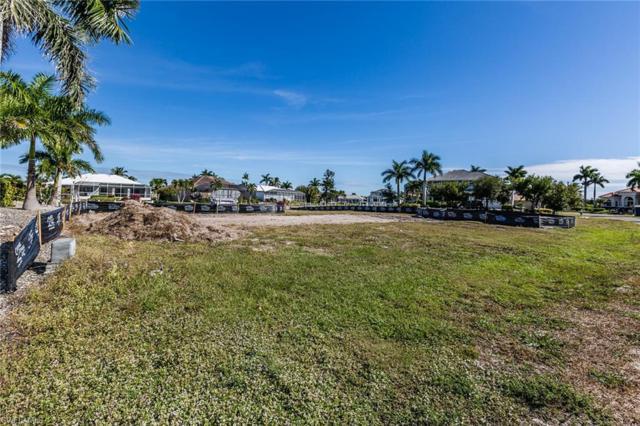 243 Edgewater Ct, Marco Island, FL 34145 (MLS #218082463) :: Kris Asquith's Diamond Coastal Group