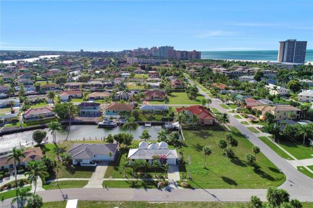 805 Saturn Ct, Marco Island, FL 34145 (MLS #218082635) :: Clausen Properties, Inc.