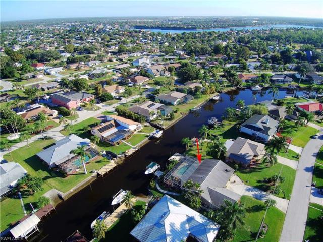 6268 Cocos Dr, Fort Myers, FL 33908 (#219001764) :: The Dellatorè Real Estate Group