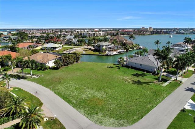 700 Rockport Ct, Marco Island, FL 34145 (MLS #219015311) :: Clausen Properties, Inc.