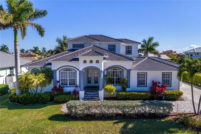 692 Cameo Ct, Marco Island, FL 34145 (MLS #219024095) :: Kris Asquith's Diamond Coastal Group