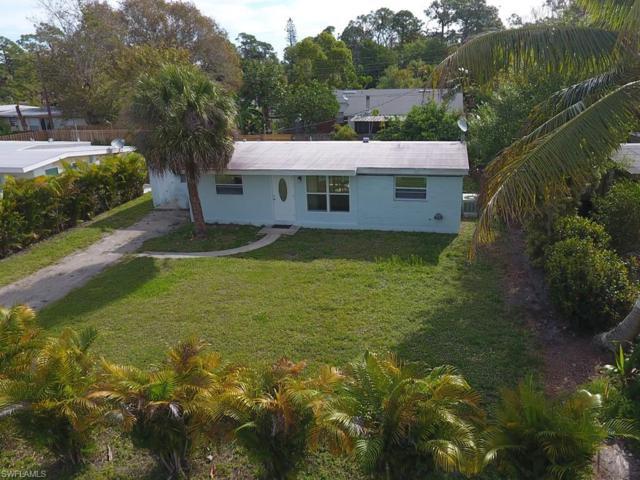 1323 Embassy Ln, Naples, FL 34104 (MLS #219025928) :: #1 Real Estate Services