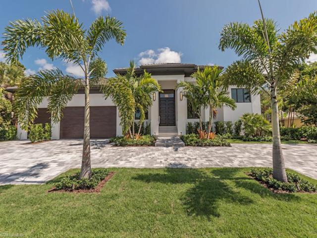 625 Parkview Ln, Naples, FL 34103 (MLS #219034513) :: The Naples Beach And Homes Team/MVP Realty