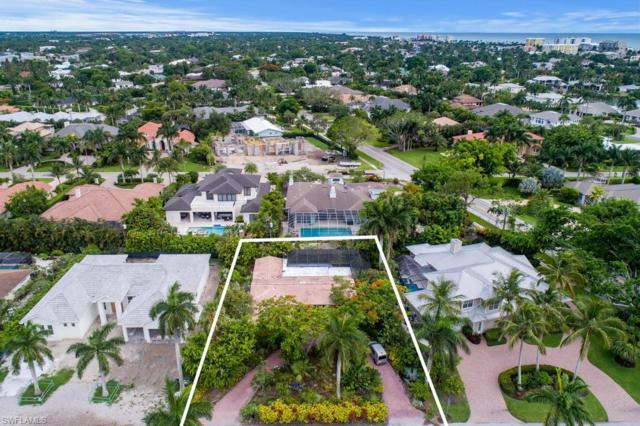 590 Wedge Dr, Naples, FL 34103 (MLS #219041352) :: Clausen Properties, Inc.