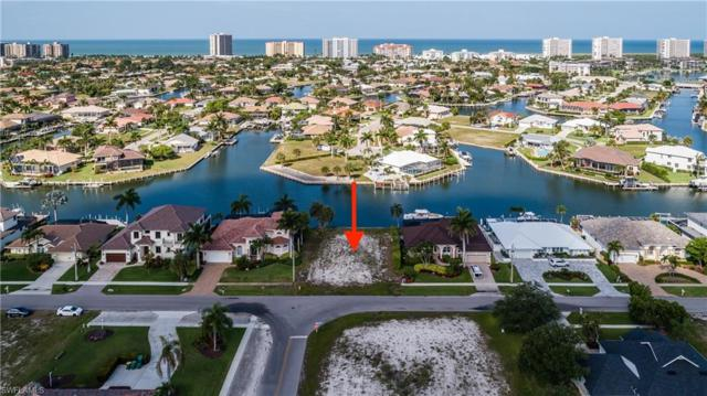334 Edgewater Ct, Marco Island, FL 34145 (MLS #219041420) :: RE/MAX Radiance