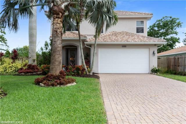 636 102nd Ave N, Naples, FL 34108 (MLS #219046389) :: Clausen Properties, Inc.