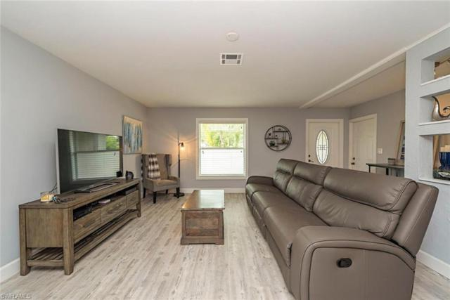 826 105th Ave N, Naples, FL 34108 (MLS #219053995) :: Sand Dollar Group