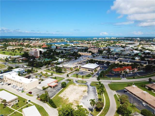 579 E Elkcam Cir, Marco Island, FL 34145 (MLS #219054675) :: Kris Asquith's Diamond Coastal Group