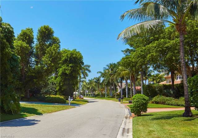524 Parkwood Ln, Naples, FL 34103 (MLS #219058002) :: The Naples Beach And Homes Team/MVP Realty