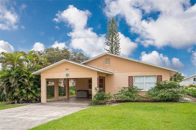 682 97th Ave N, Naples, FL 34108 (MLS #219060178) :: Palm Paradise Real Estate