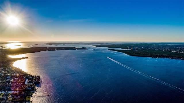 14400 Laguna Dr, Fort Myers, FL 33908 (#219066923) :: The Dellatorè Real Estate Group