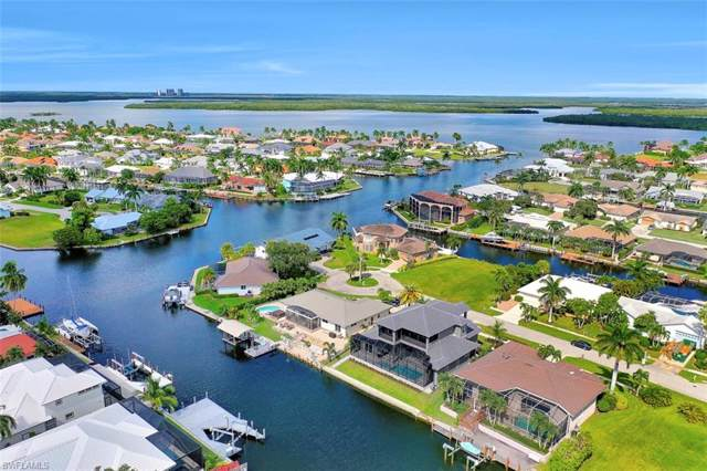 218 Geranium Ct, Marco Island, FL 34145 (MLS #219067918) :: Sand Dollar Group