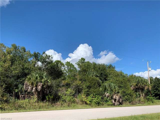 3235 70th Ave NE, Naples, FL 34120 (MLS #219068447) :: Clausen Properties, Inc.