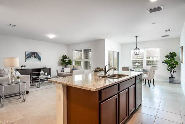675 Hadley Pl E, Naples, FL 34104 (#219072913) :: Caine Premier Properties