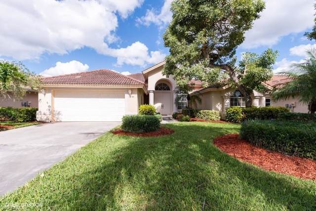 1091 Tivoli Dr, Naples, FL 34104 (MLS #219073710) :: Florida Homestar Team