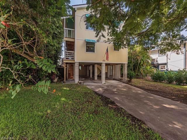 1279 Grand Canal Dr, Naples, FL 34110 (MLS #219074490) :: Clausen Properties, Inc.