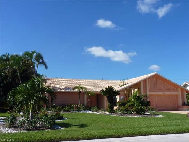 1290 Foxfire Ln, Naples, FL 34104 (#219074686) :: Southwest Florida R.E. Group Inc