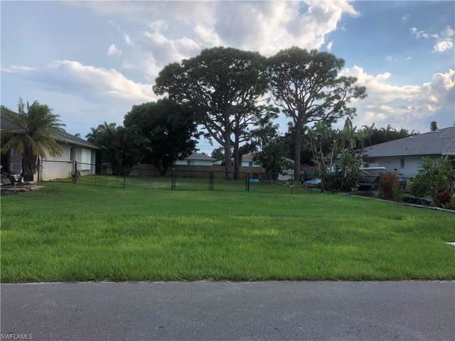 678 95th Ave N, Naples, FL 34108 (MLS #219075425) :: Clausen Properties, Inc.