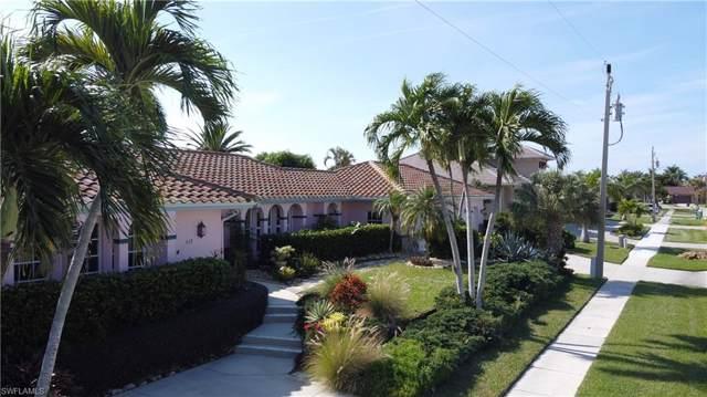 837 Elm Ct, Marco Island, FL 34145 (MLS #219076439) :: The Keller Group