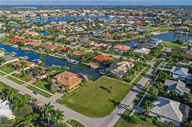 701 Plantation Ct, Marco Island, FL 34145 (MLS #219077013) :: Sand Dollar Group