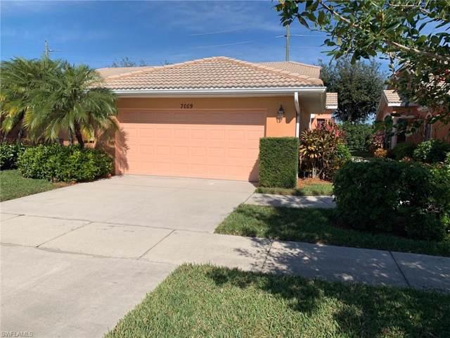 7009 Lone Oak Blvd, Naples, FL 34109 (#219080037) :: The Dellatorè Real Estate Group