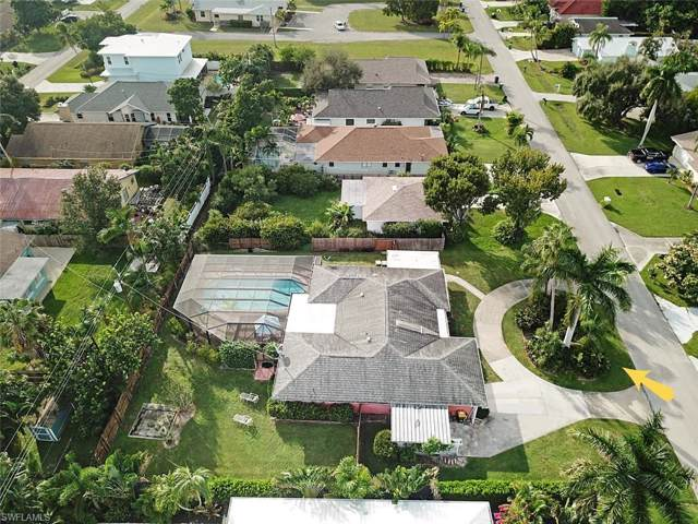 684 104th Ave N, Naples, FL 34108 (MLS #219080263) :: The Naples Beach And Homes Team/MVP Realty
