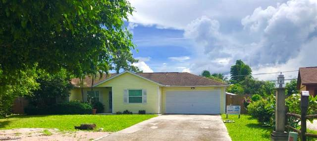 10831 St Lucia Ct, Bonita Springs, FL 34135 (#219080778) :: The Dellatorè Real Estate Group