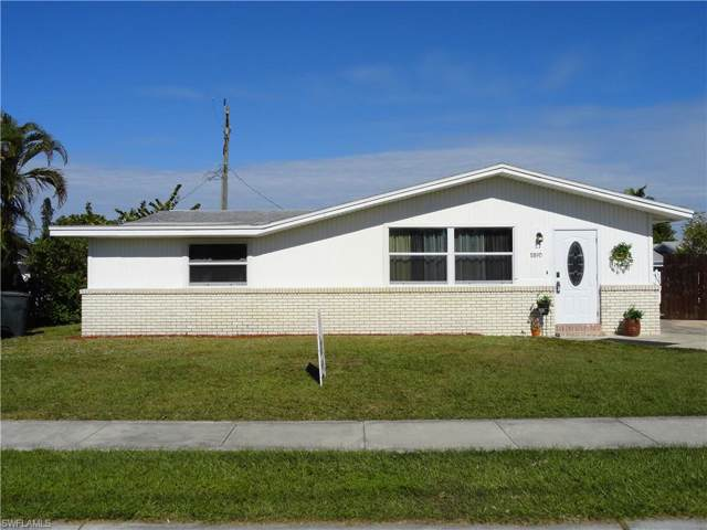 8890 Cypress Lake Dr, Fort Myers, FL 33919 (MLS #219080960) :: The Naples Beach And Homes Team/MVP Realty