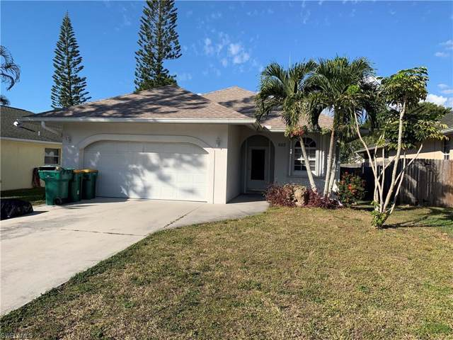 665 105th Ave N, Naples, FL 34108 (MLS #219082201) :: The Naples Beach And Homes Team/MVP Realty