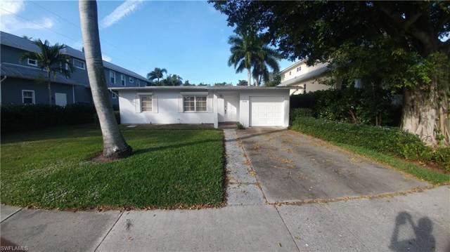 644 West Lake Dr, Naples, FL 34102 (#220000605) :: The Dellatorè Real Estate Group