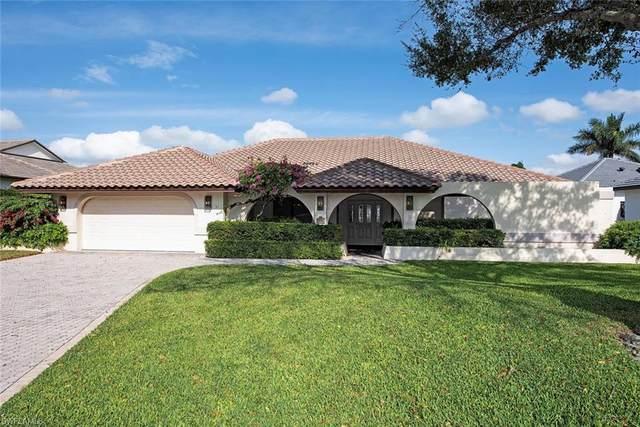 6598 Ridgewood Dr, Naples, FL 34108 (MLS #220000778) :: Clausen Properties, Inc.