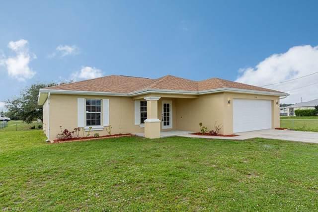 210 Manasota St, Fort Myers, FL 33913 (#220003031) :: The Dellatorè Real Estate Group