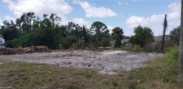 17461/463 Dumont Dr, Fort Myers, FL 33967 (#220003762) :: The Dellatorè Real Estate Group