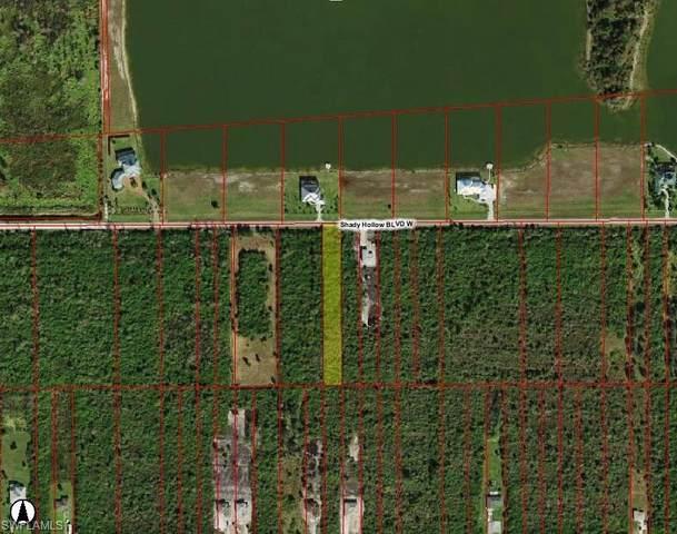 570 Shady Hollow Blvd W, Naples, FL 34120 (#220010030) :: Caine Premier Properties