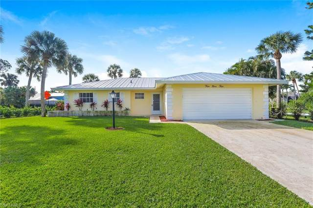 494 Bayside Ave, Naples, FL 34108 (#220011755) :: The Dellatorè Real Estate Group