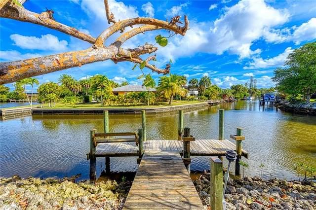 3179 Lakeview Dr, Naples, FL 34112 (MLS #220012877) :: Clausen Properties, Inc.