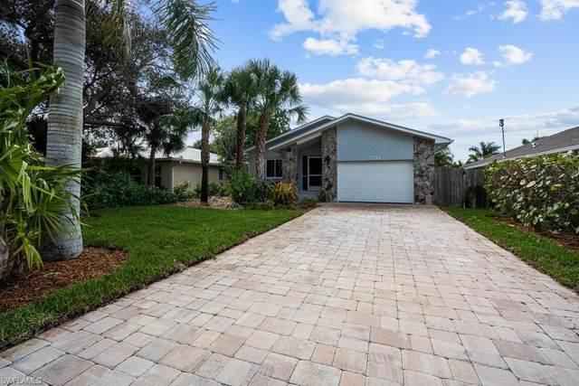 570 100th Ave N, Naples, FL 34108 (#220013696) :: Caine Premier Properties