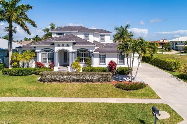 692 Cameo Ct, Marco Island, FL 34145 (MLS #220014217) :: Kris Asquith's Diamond Coastal Group