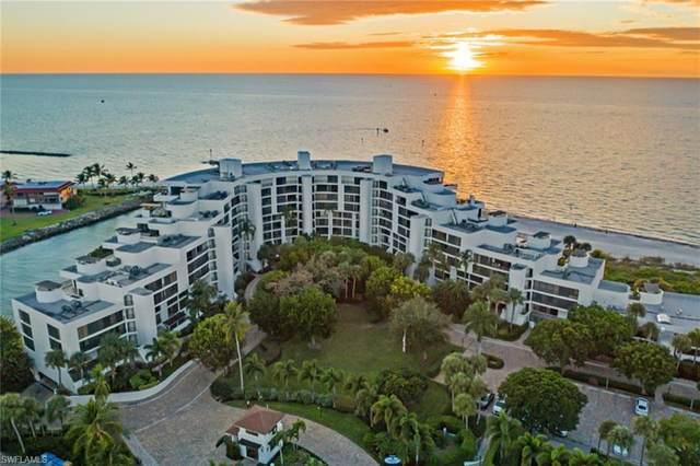 2301 Gulf Shore Blvd N #114, Naples, FL 34103 (MLS #220014550) :: The Naples Beach And Homes Team/MVP Realty