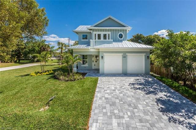 1188 13th St N, Naples, FL 34102 (MLS #220015216) :: The Naples Beach And Homes Team/MVP Realty