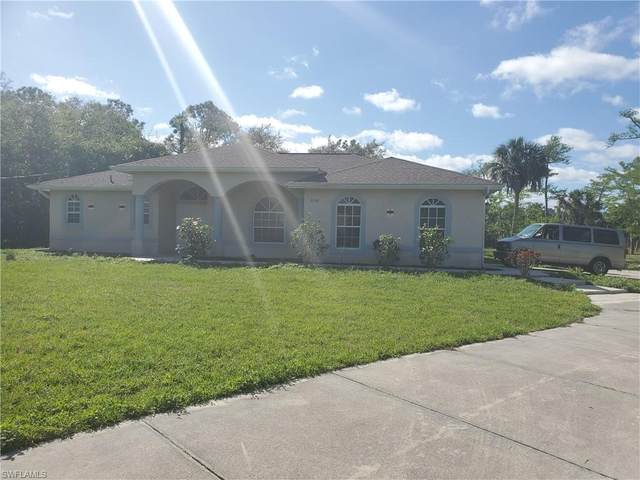 2040 16th Ave SW, Naples, FL 34117 (MLS #220015527) :: Clausen Properties, Inc.