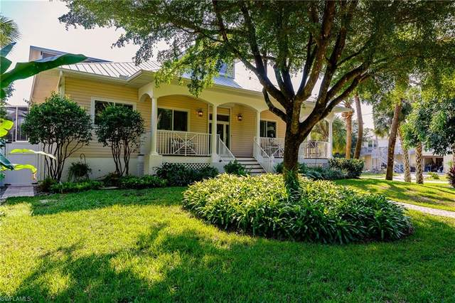 790 Pan Am Ave, Naples, FL 34110 (#220016477) :: Jason Schiering, PA