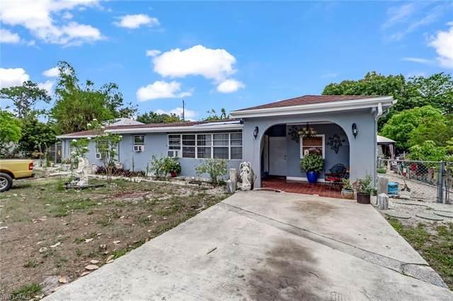 2642 Storter Ave, Naples, FL 34112 (#220017272) :: Caine Premier Properties